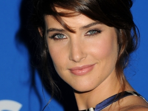 Cobie-Smulders-Cbs-Desktop-Wallpaper